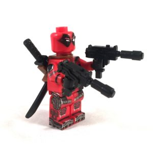 Deadpool Deluxe LEGO Minifig - Side view