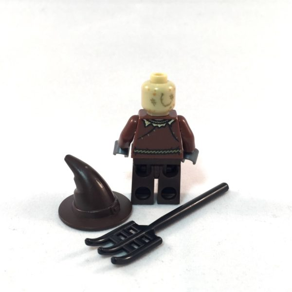 LEGO Batman Minifig - Scarecrow - Back and Accessories