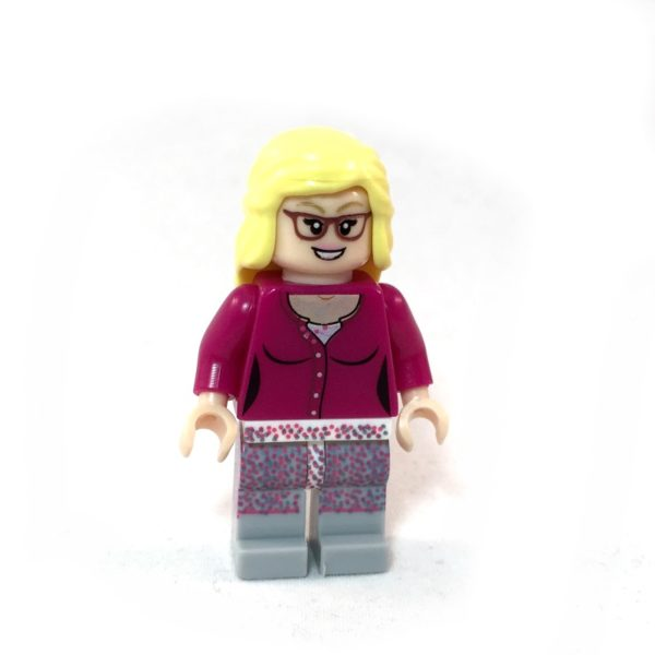 The Big Bang Theory LEGO Minifig Set - Bernadette Face 2
