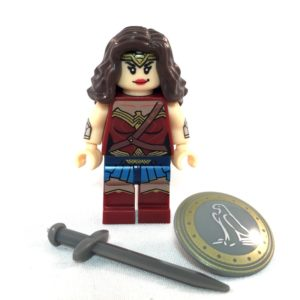 Wonder Woman LEGO Minifig Batman V Superman - Face 2 and accessories